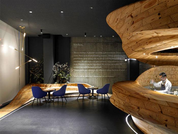 organically-sculptured-wooden-decor-raw-restaurant-4