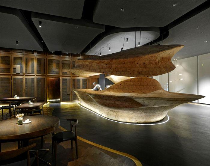 organically-sculptured-wooden-decor-raw-restaurant-5