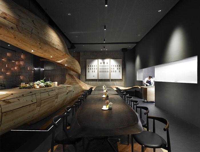 Organically sculptured wooden decor at raw restaurant in