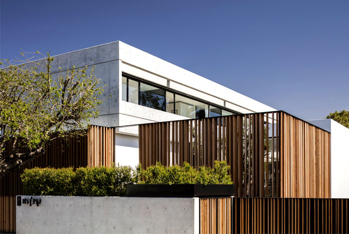 The S House by Pitsou Kedem Architects