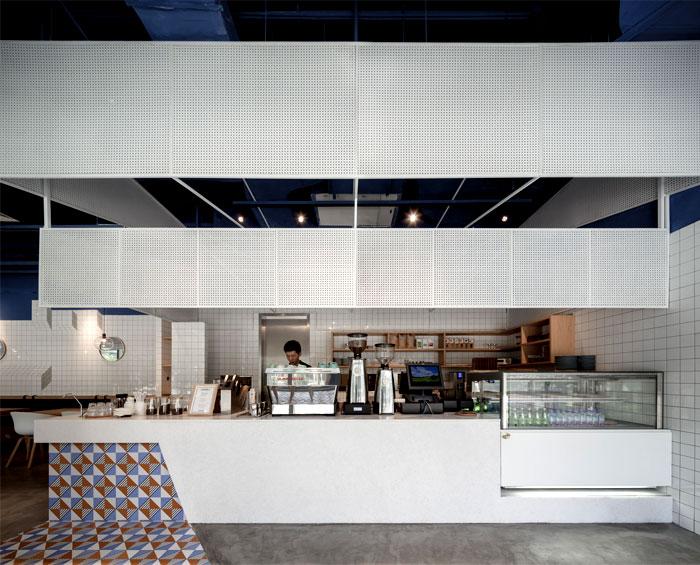 swimming-pool-studio-paras-cafe-5