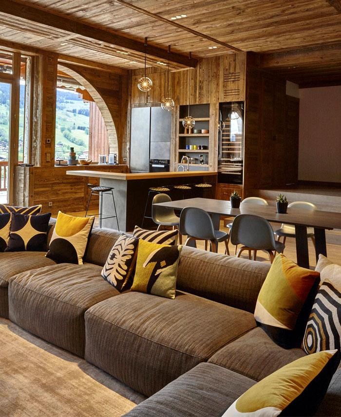 Ski resort villa in the french alps interiorzine for Design skihotel
