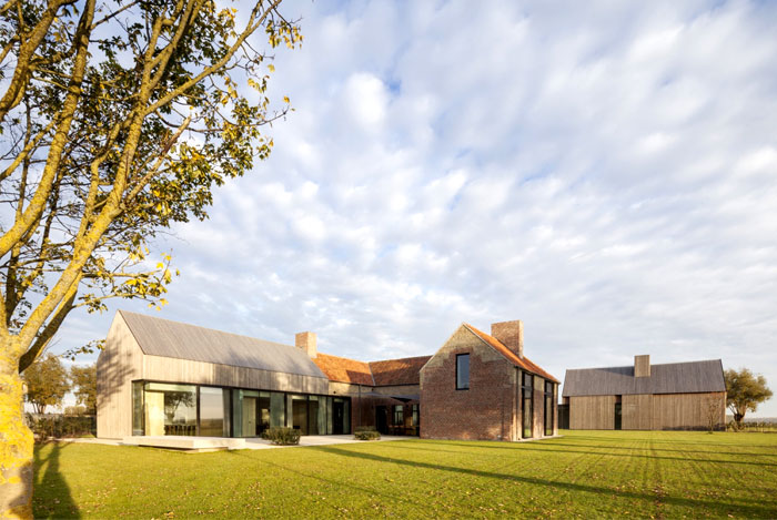 Govaert & Vanhoutte Architects Composed a Breathtaking Facade for the Former Barn House
