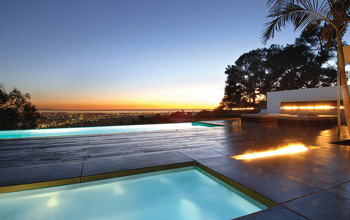 pool-outdoor-fire-place