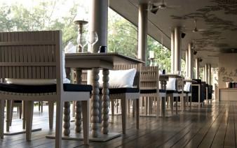 indoor seats restaurant 338x212