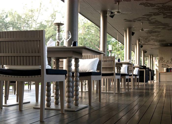indoor seats restaurant