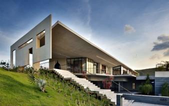 je house exterior  338x212