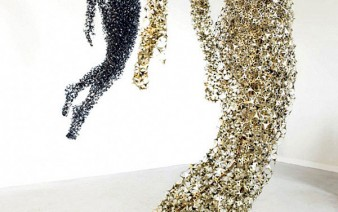 airy sculptures made out ofhundreds ofmetallic pieces 338x212