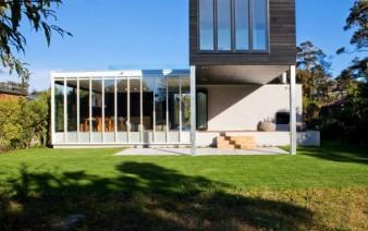 modern holiday house veranda 338x212