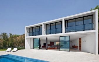 casa la roca outdoor pool area 338x212