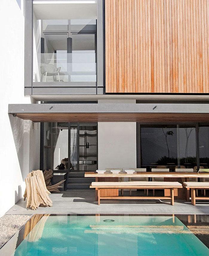 contemporary home outdoor area