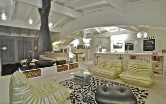 italian penthouse living area design 338x212