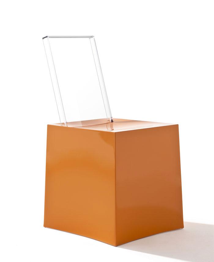 miss less sculpture chair
