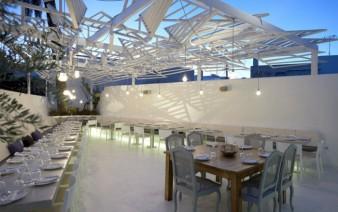 wooden sculpture restaurant 338x212
