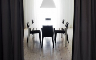 black curtains interior 338x212
