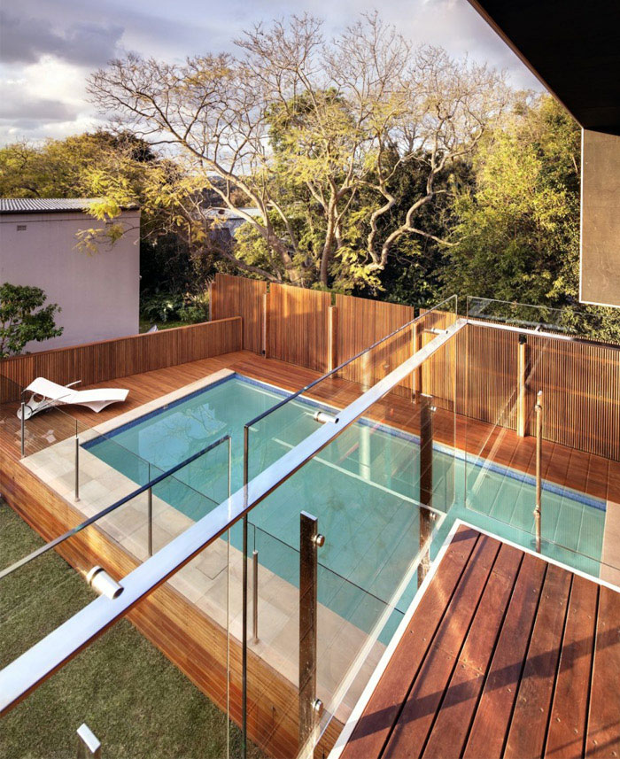 contemporary family home outdoor area