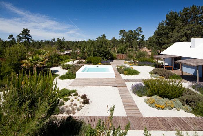 house comporta outdoor