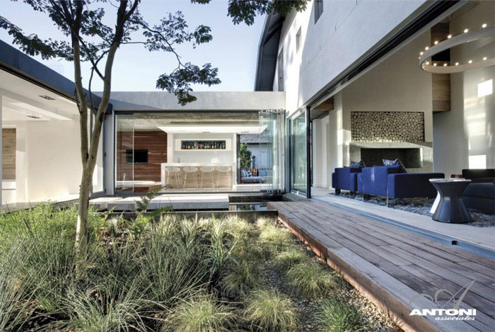 luxury residence outdoor area