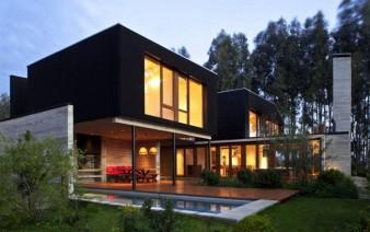 rock house outdoor area 338x212