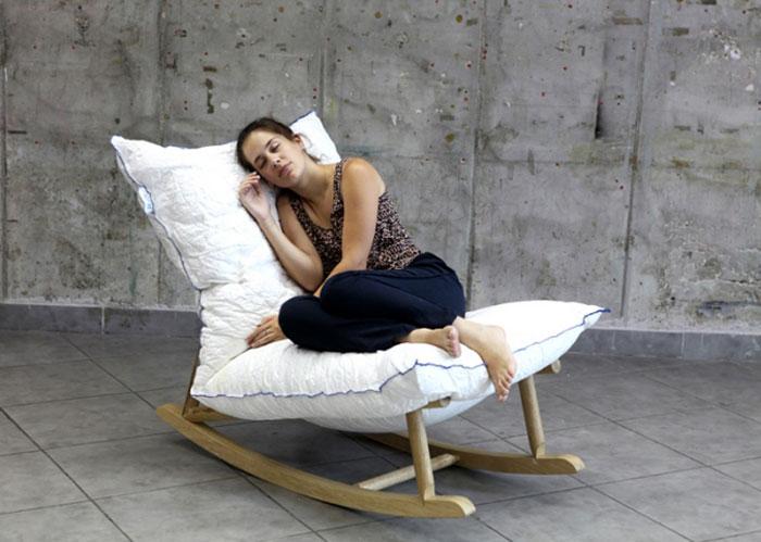pillow-wooden-base3