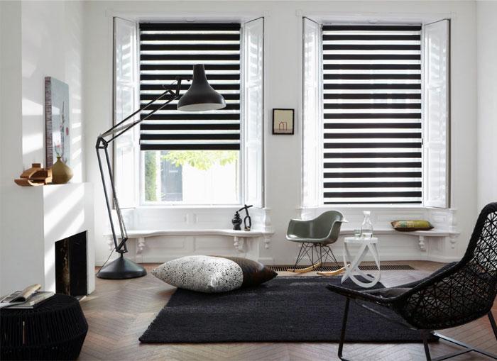 venetian-blinds-living-room-interior