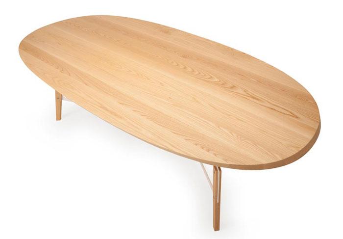 stammtisch wooden table