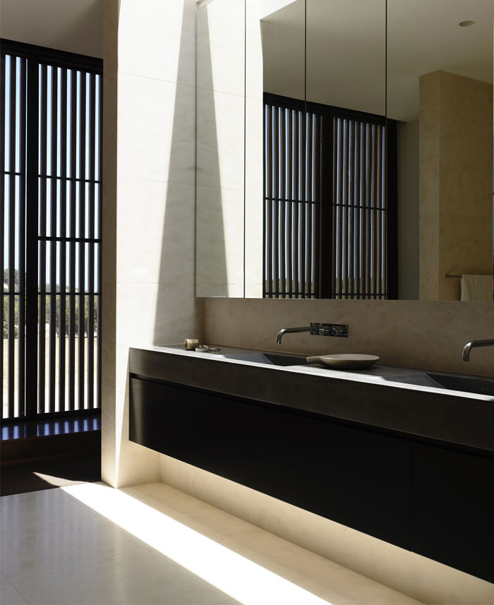 beach house interior bathrom