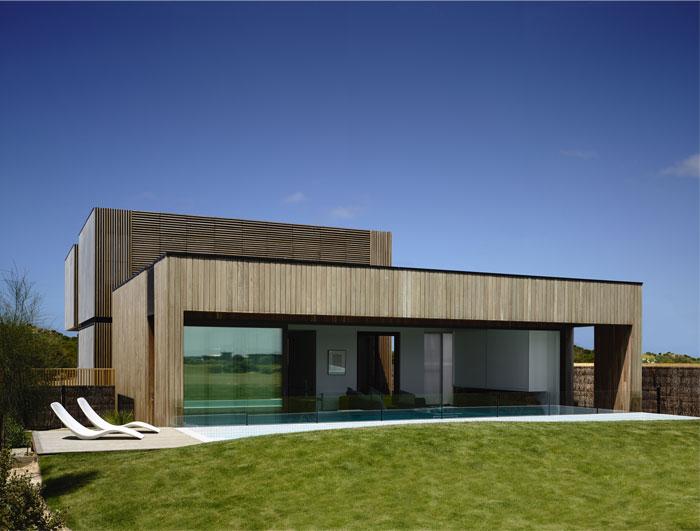 beach house pool area