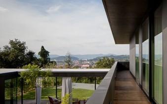 open balcony 338x212