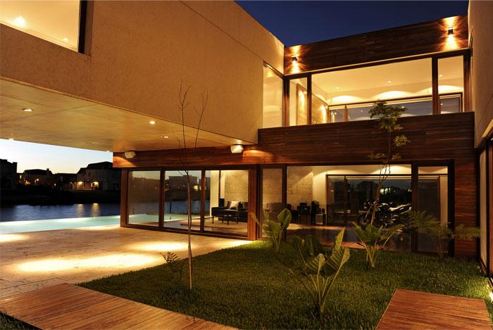 family house2