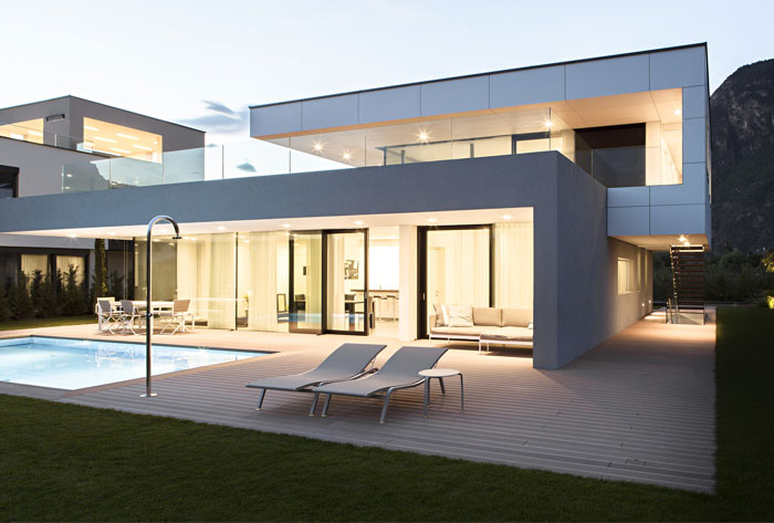 house with generous glass facade1