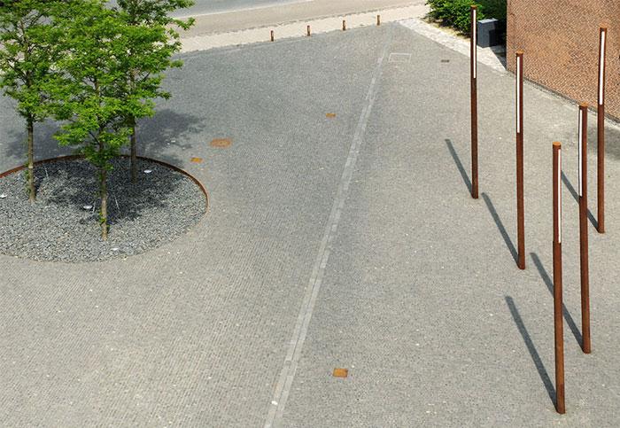 inviting-calm-modern-plaza