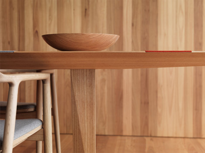 timber-lined-interior-dining-table6