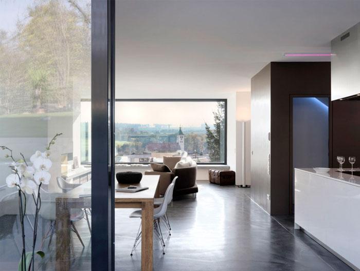 minimalist-trapeze-shaped-house4