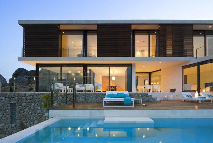 stone-wall-stunning-house3