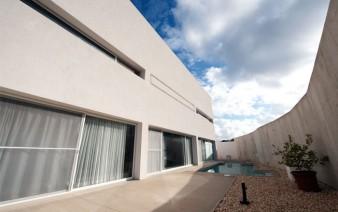 playful contemporary villa3 338x212