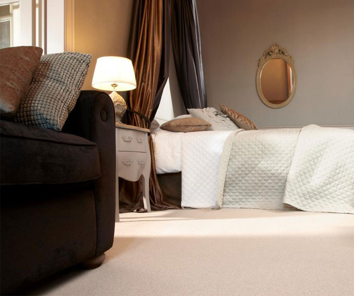 while-luxury-bedroom5