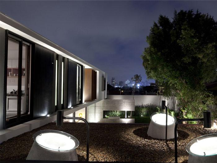 brazilian residence concrete walls4