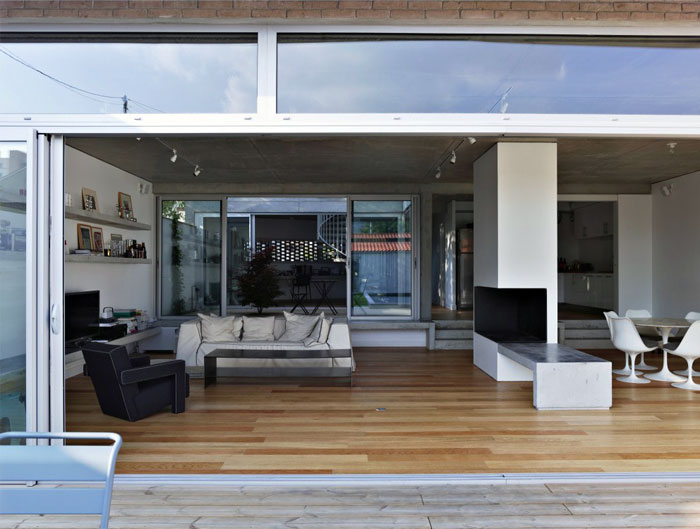 concrete-glass-open-plane-house3