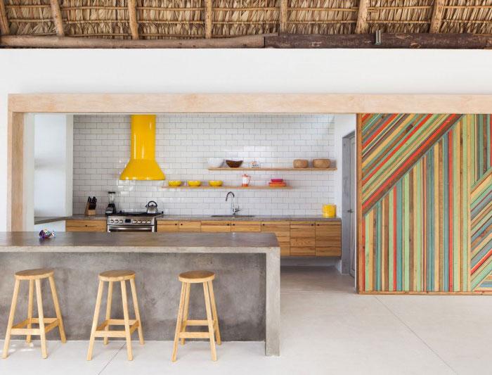 beach house dining area