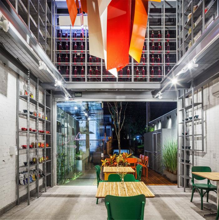 deliqate-restaurant-1