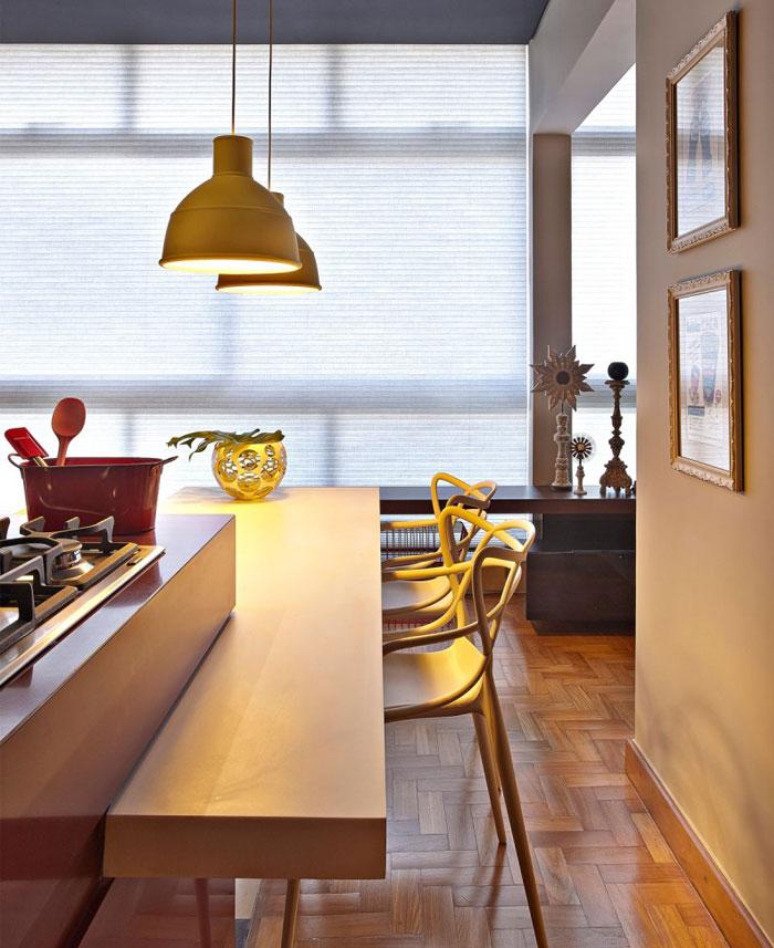kitchen-yellow-lighting