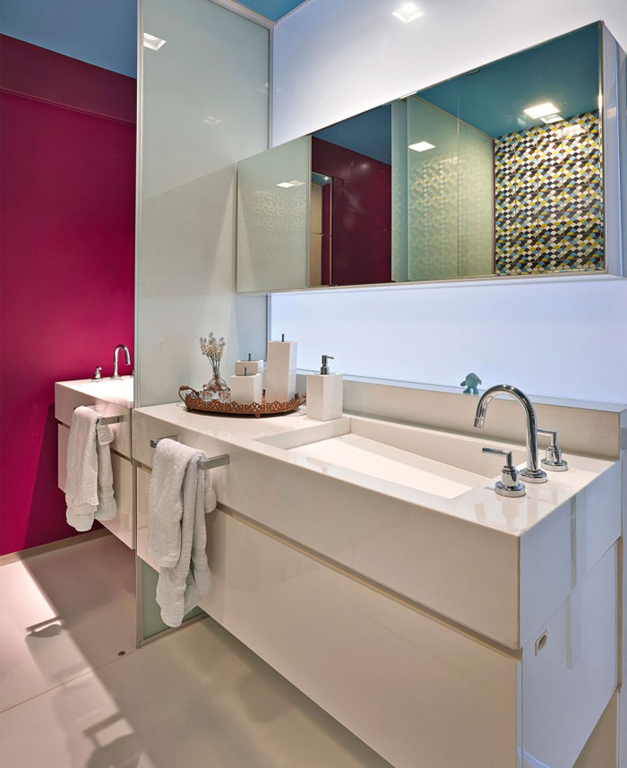 white-bathroom-cabinet