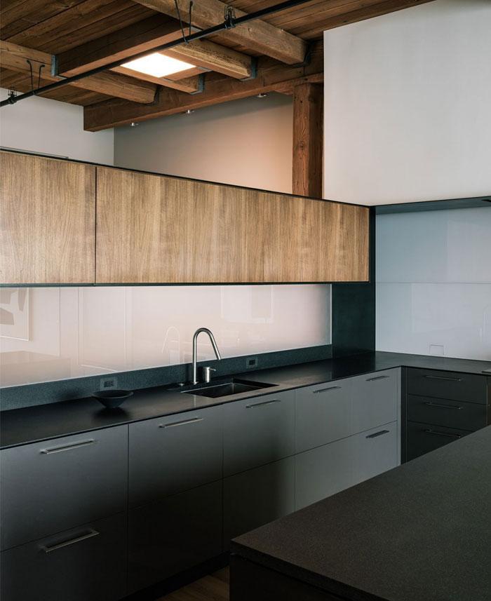 completely-open-loft-space-4