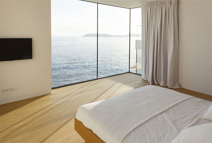 mediterranean-house-interior-bedroom