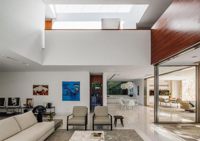modern-brazilian-living-room