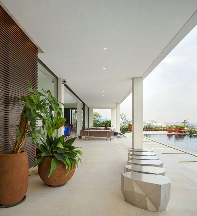 outdoor-area-greenery