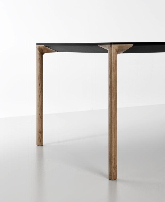 table-oak-wood-legs