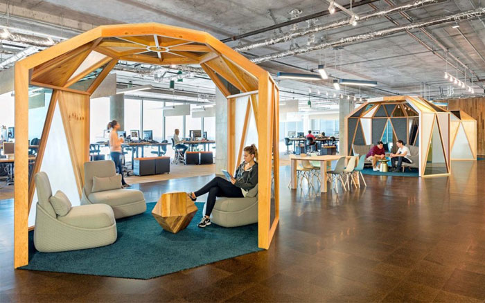 light-spaciousness-bright-color-office-space