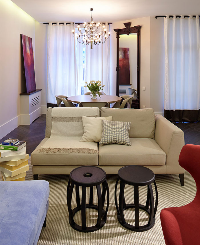 open-living-area-colorful-upholstery-sofas